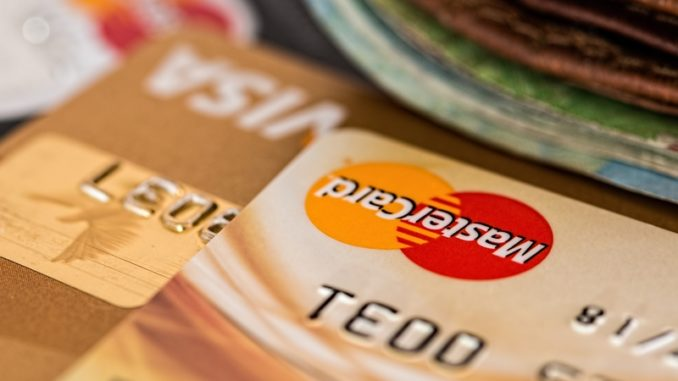 embosovaná platební karta